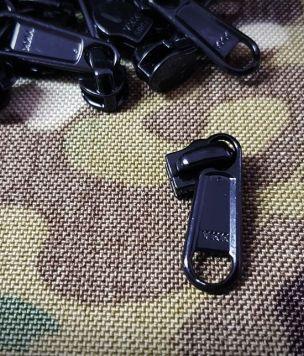 YKK ® 8RC non-locking slider 8mm