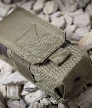 M4 magazine pouch velcro closure