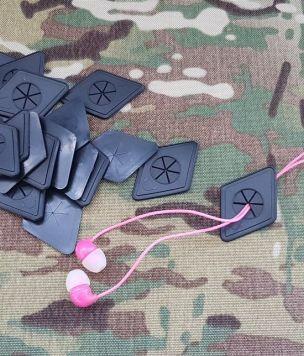 2x Otwór gumowy słuchawkowy, na kable ROMB