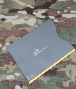 Duże etui na paszport z ochroną RFID pionowe