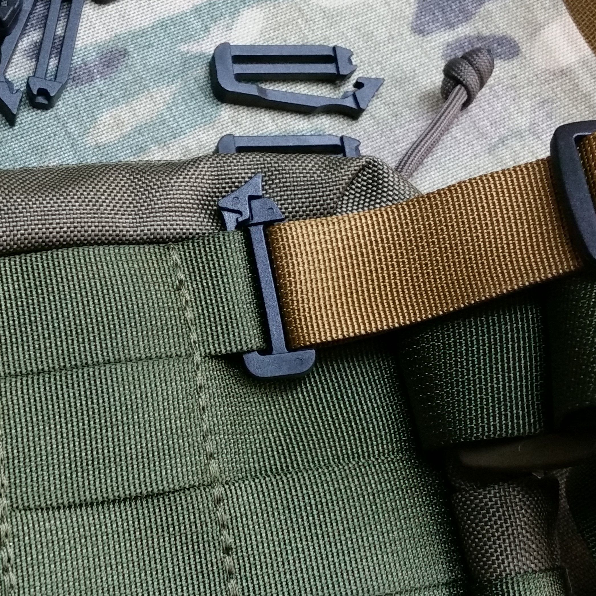 Clips for attaching to MOLLE webbing +8pln