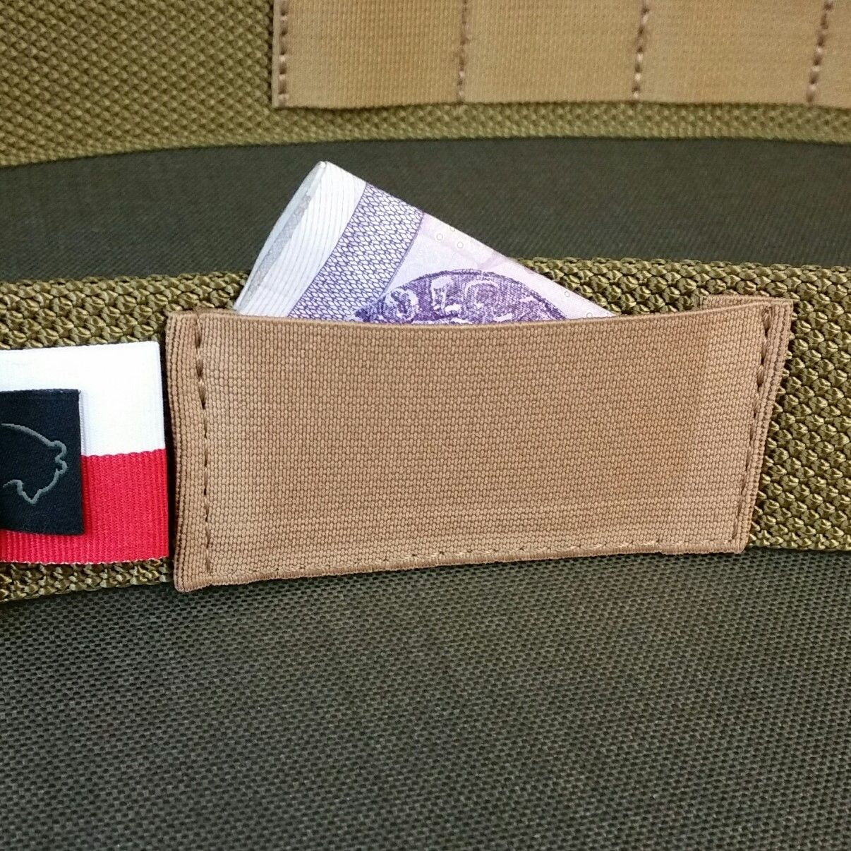 Opened elastic band pocket +9pln