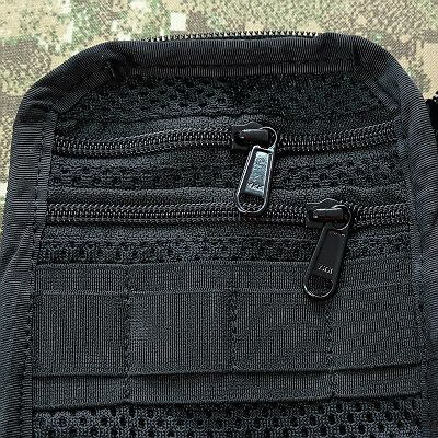 Two zippered mesh pockets instead of regular +13pln